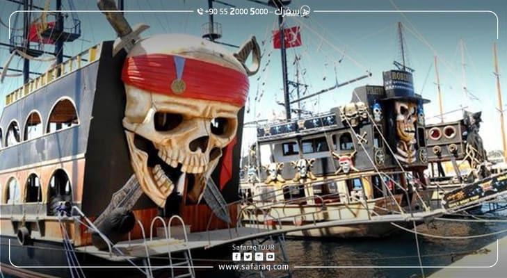 سفن القراصنة في بودروم التركية تخطف قلوب السياح