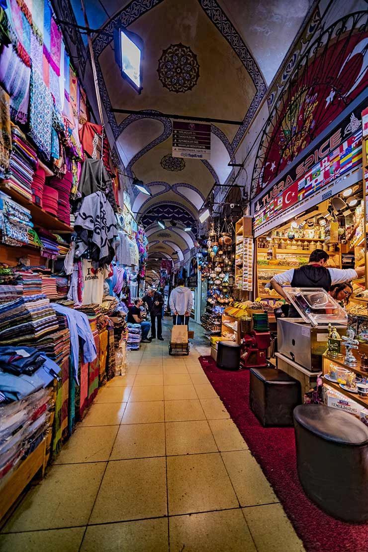 the history of Grand Bazaar in Istanbul