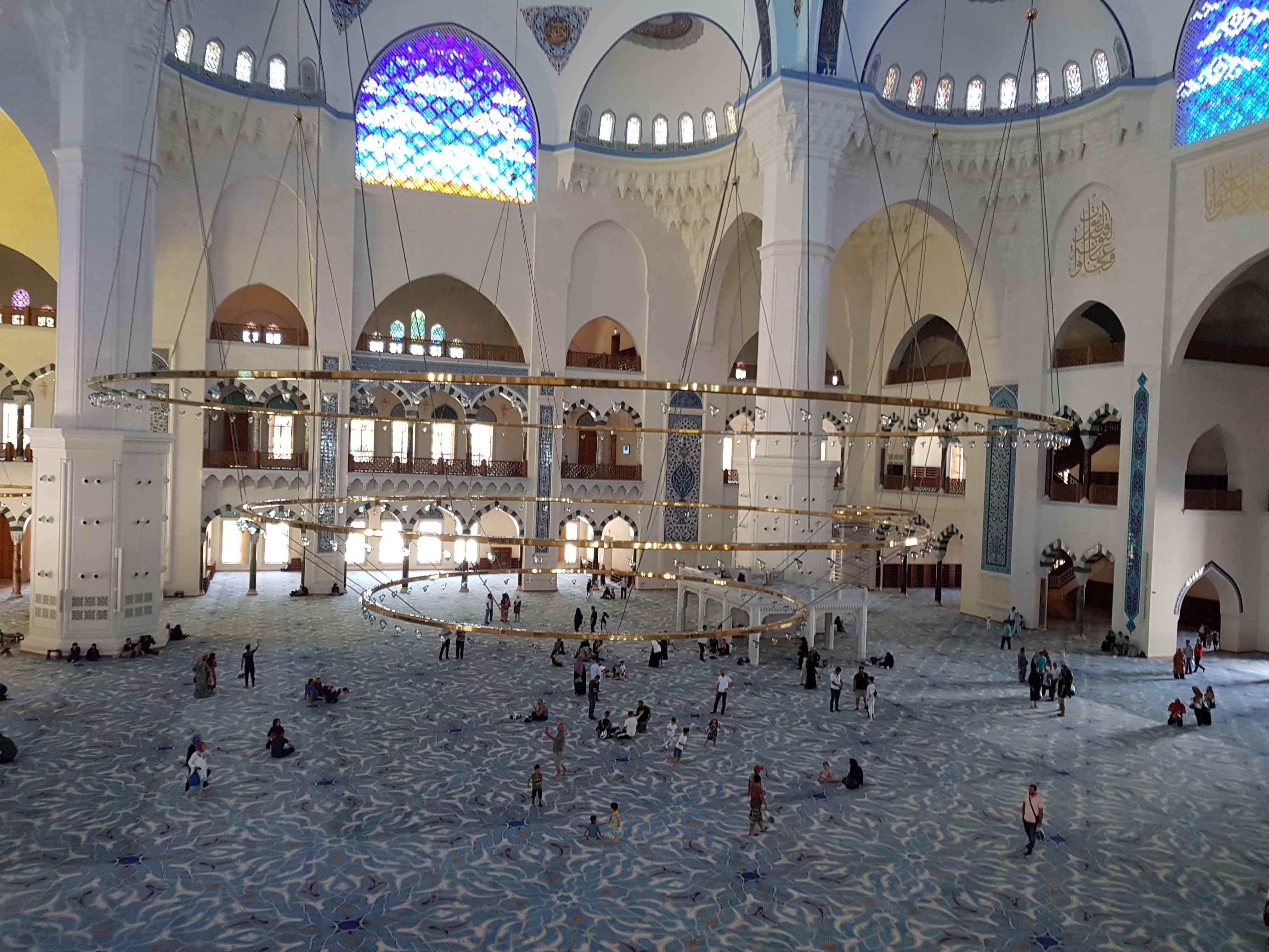 أكبر مسجد في تركيا
