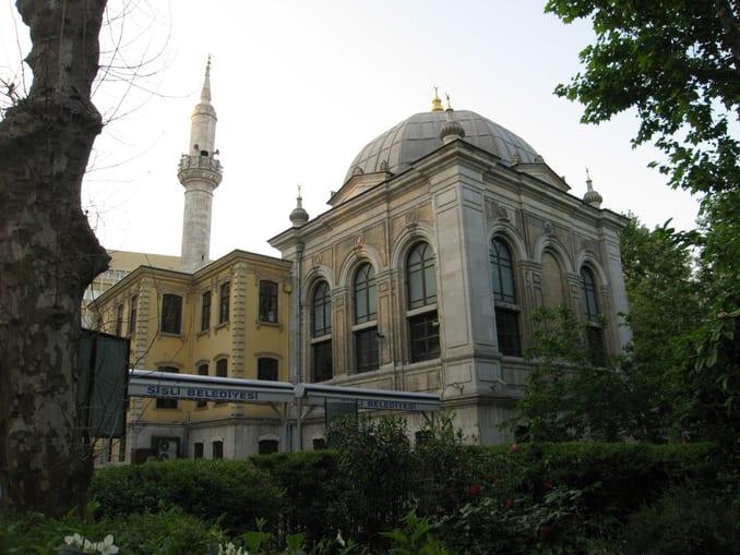 مسجد تشويقية في منطقة شيشلي - اسطنبول