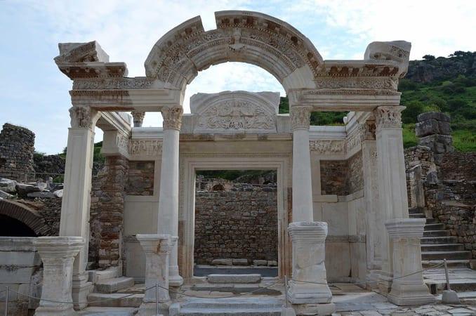 معبد هادريان