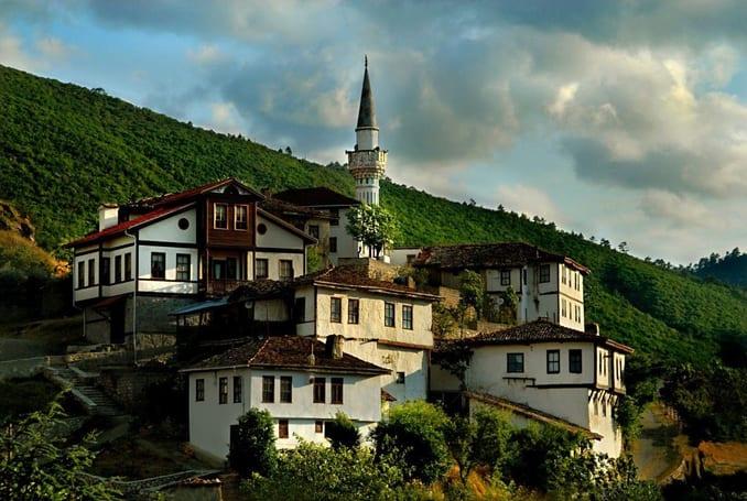 قرية تاراكلي