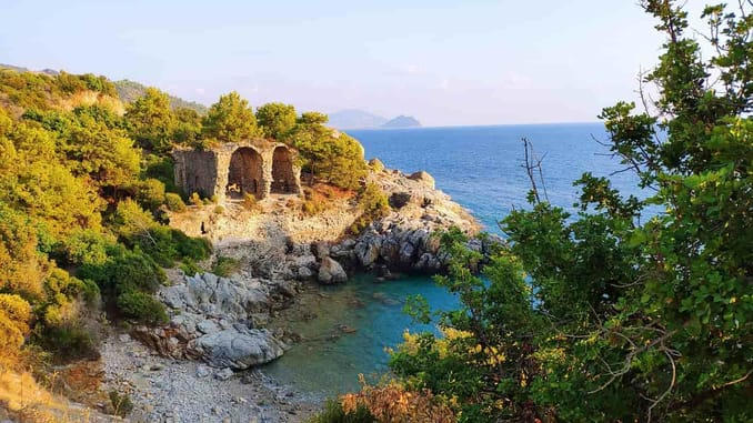 شاطئ مدينة ألانيا