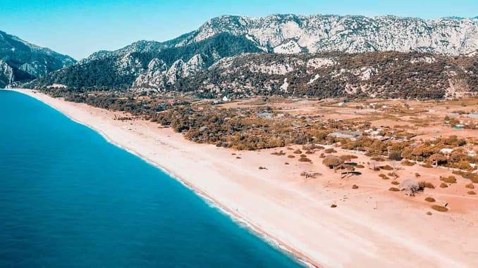 شاطئ الومبوس تشاري في أنطاليا ÇIRALI - OLİMPOS / ANTALYA :