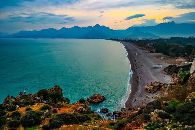 شاطئ كونيا ألتي في أنطاليا KONYAALTI / ANTALYA