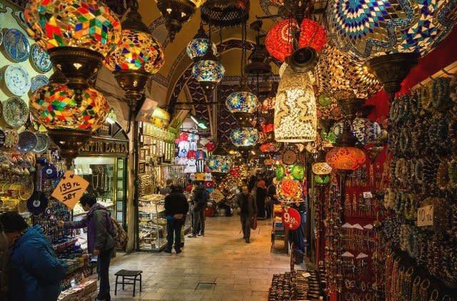 سوق محمود باشا إسطنبول