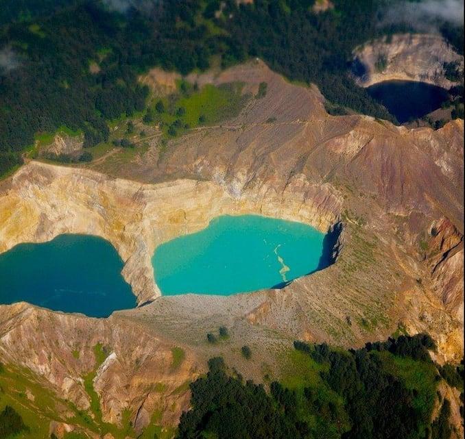 بحيرة فوهة البركان في اوزنجول