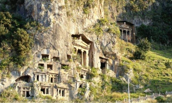 المدينة القديمة تلميسوس ومقبرة أمينتاس