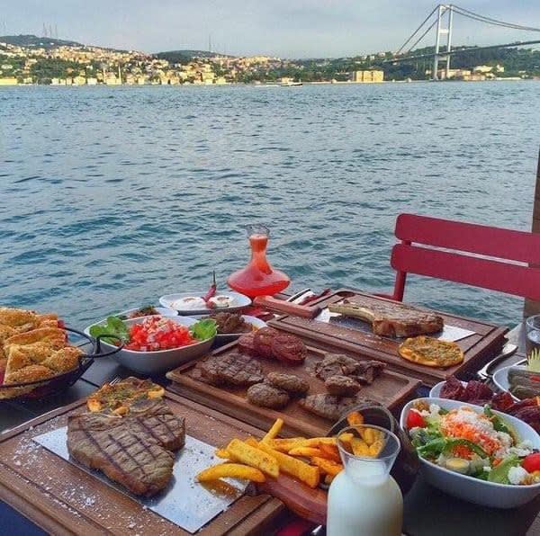 مقاهي البوسفور في اسطنبول