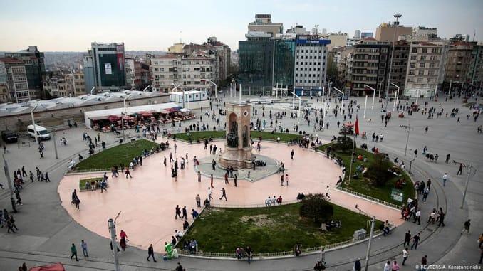 ميدان التقسيم في اسطنبول