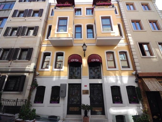 فندق اوتوبيرا اسطنبول