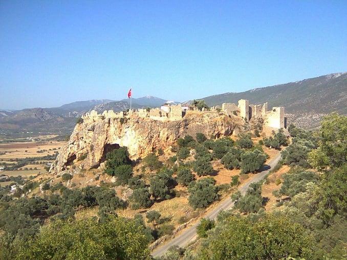 قلعة بيجين في مدينة ميلاس التركية