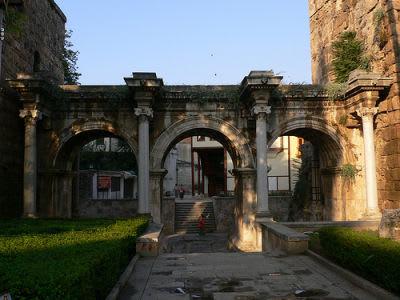 بوابة هارديان في انطاليا