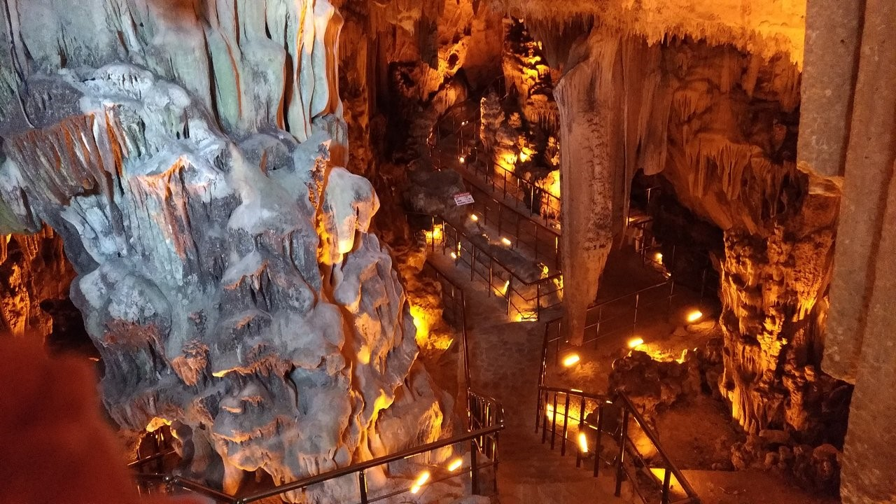 Kosekbuku Cave